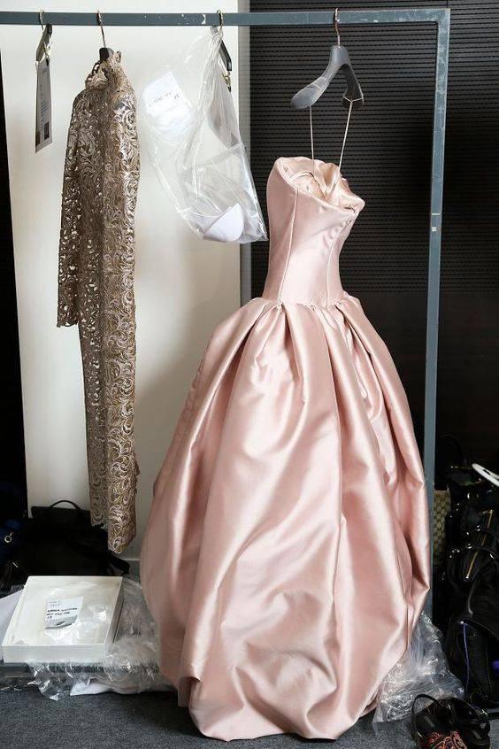 Klädkod, bröllop, frack, kavaj, kostym.