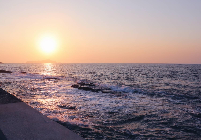 Resedagbok, reseguide, Platanias, Kreta, Grekland. Solnedgång, Sunset.