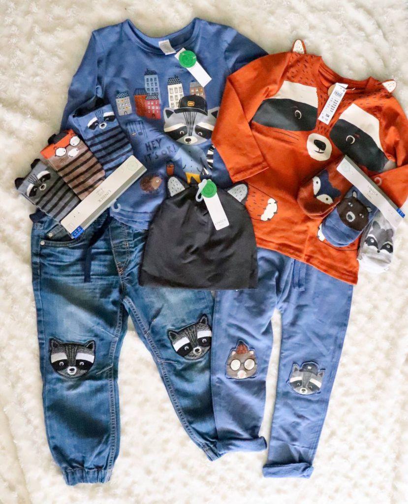 Söta barnkläder för pojkar, nytt i butik, ekologiska barnkläder.