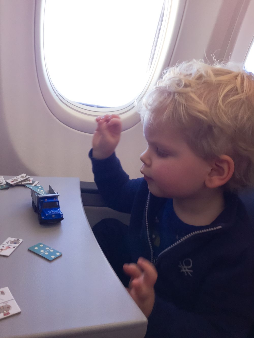 Flyga själv med barn