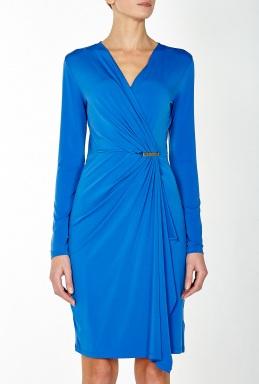 d5a32e187180 Det finns en drapering som passar alla, det gäller att ha lite tålamod, för  när en draperad topp eller klänning väl är rätt, då ser figuren helt  fantastisk ...